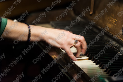 015 5292 